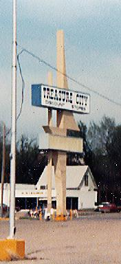 treasurecitysign.jpg